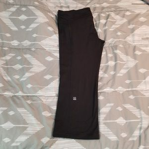 Victoria's Secret VSX Capri pants